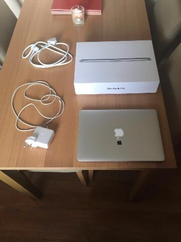 Apple Macbook Pro 15 inch A1398 Mid 2012 2 6 Ghz i7 500 GB
